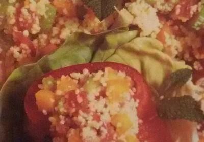 tabbulè con peperoni e cipolla rossa